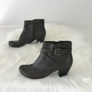 Kim Rogers Buckle Faux Leather Bootie Heeled S895